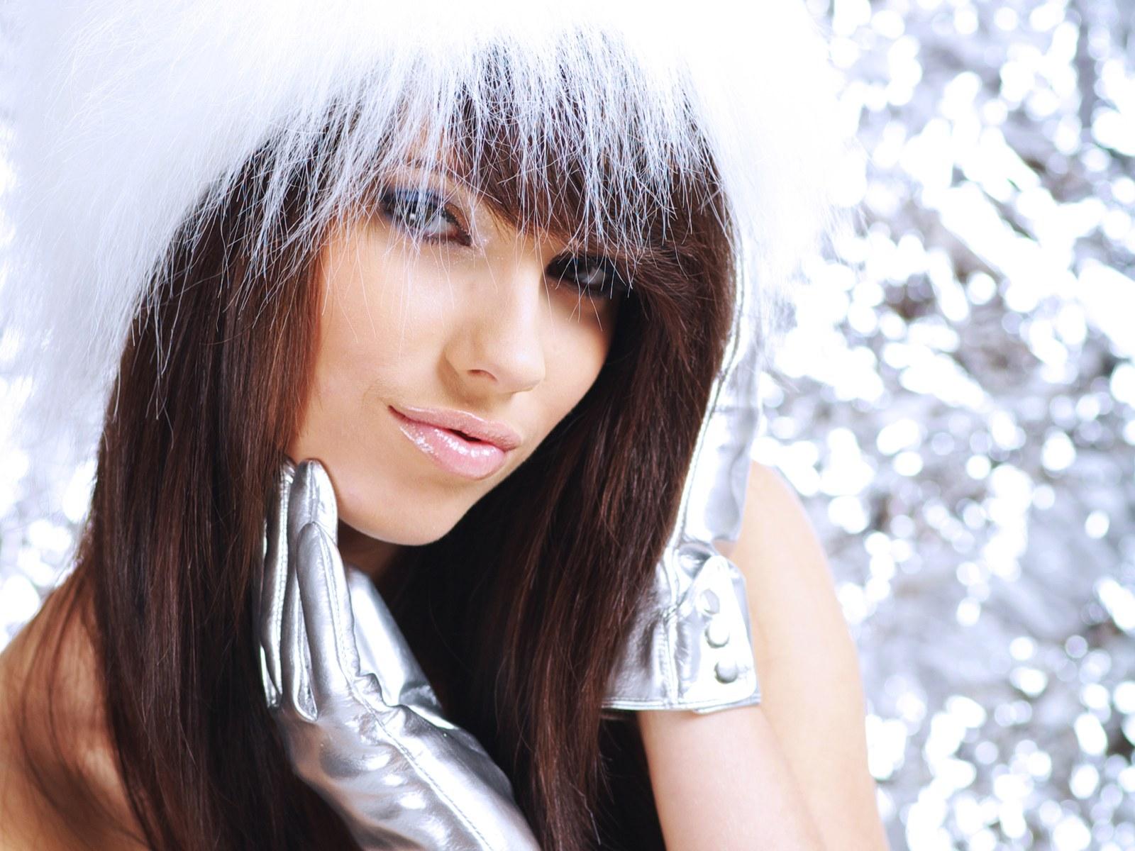 Christmas girls wallpapers | christmaswallpapers18